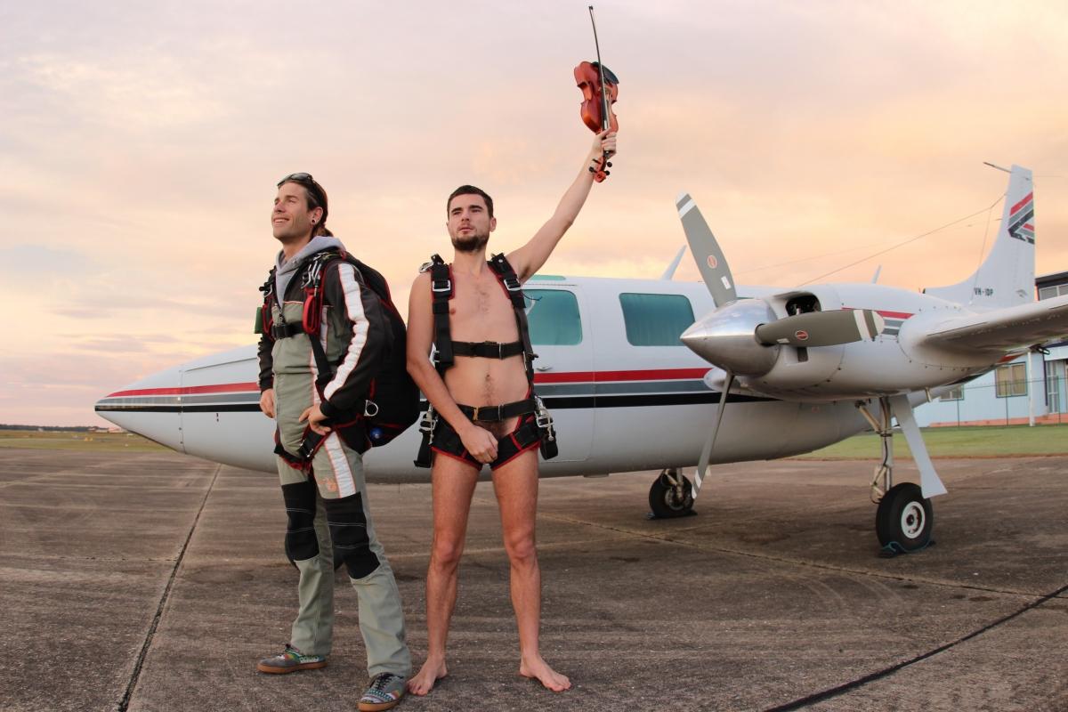 Violinist Glen Donnelly, Skydive, Nude, Naked