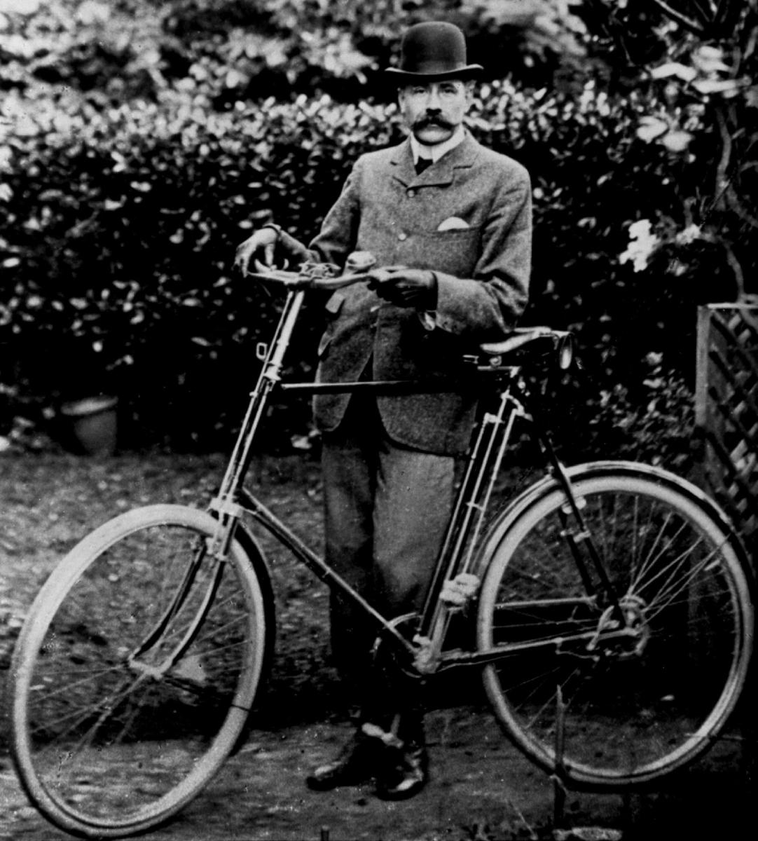 Elgar, Cycling