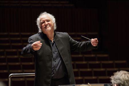 Runnicles conducts Schubert & Mahler