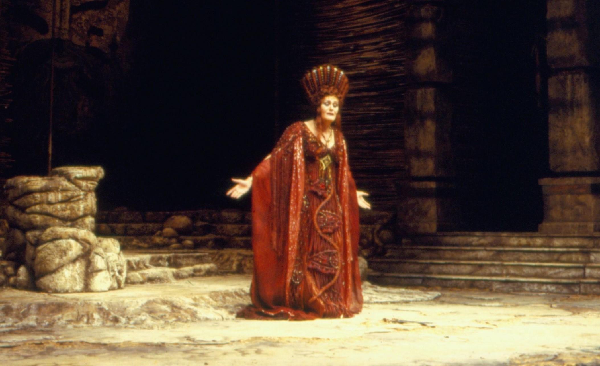Opera Australia, Joan Sutherland, Costumes