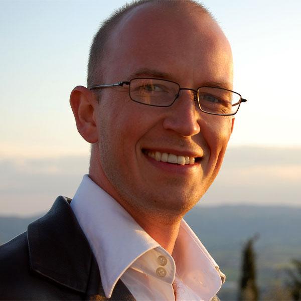 Dr Nick Gordon