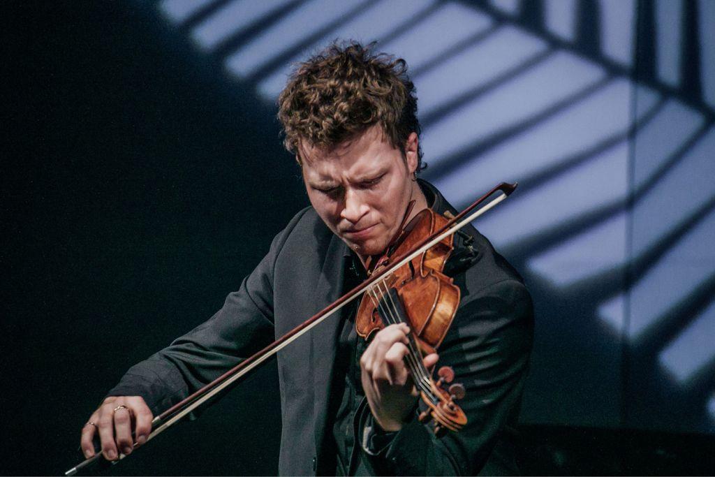Violinist Harry Ward