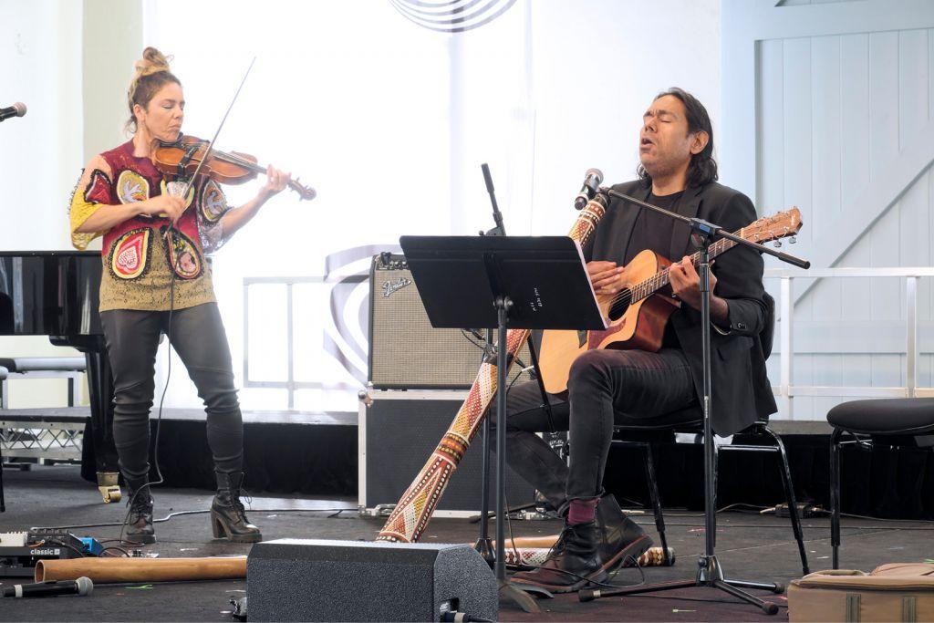 Veronique Serret and William Barton perform Heartland